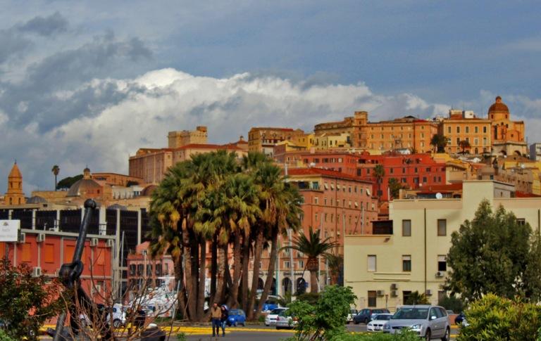 Cagliari vista dal porto  Su Siccu